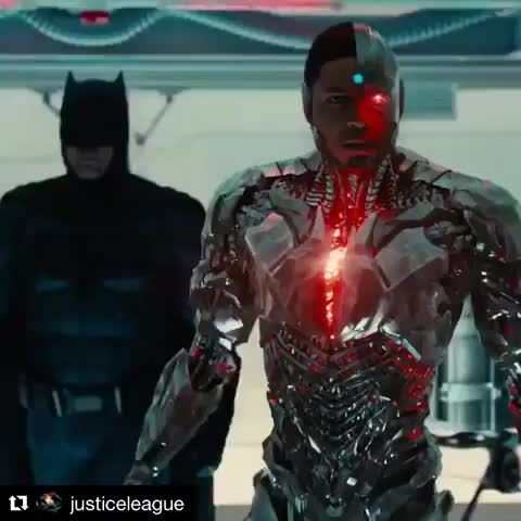 Posted by @batmanvsuperman  @justiceleague  Sunday. ALL IN. The new  trailer debuts at 9AM ET / 6AM PT. Follow us  Like & Tag a friends who would like this Love to tag? Please do…