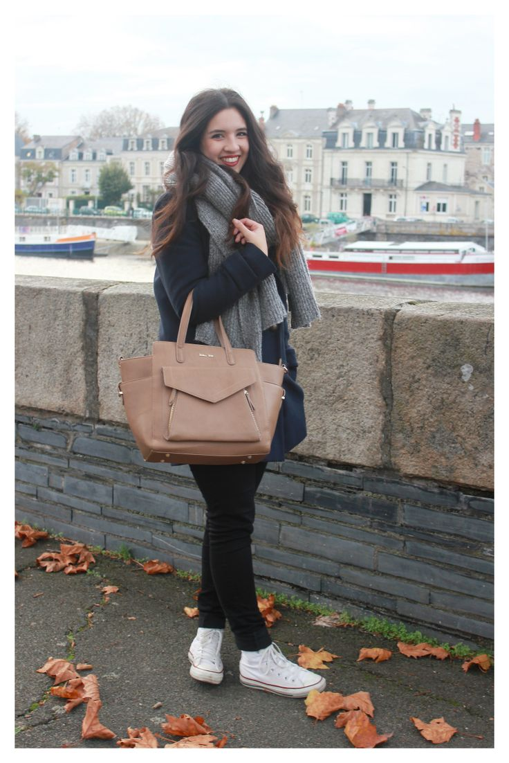 A special shoutout to Camille who is posing with our cow leather ESTHER bag in taupe.   This line also offers colors like burgundy, dark grey, violet and grey blue.  What a great way to be spoilt of choice !  #katelee #botd #ootd #fashion #leatherbag @camillegrandxo