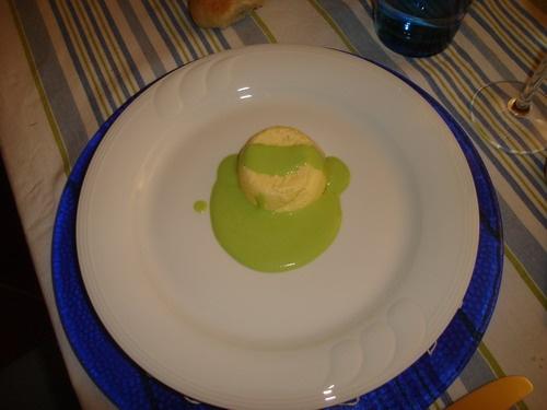 budino di parmigiano con salsa di piselli