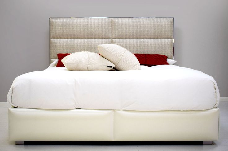 Olimpia #bed #bedroom #furniture #madeinitaly #style #fashion #fabrics #chrome #Chaarme