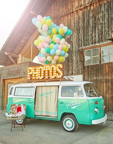 #photobooth Rollender Fotobus: 8 Photo Booths auf vier Rädern | Hochzeitsblog - The Little Wedding Corner