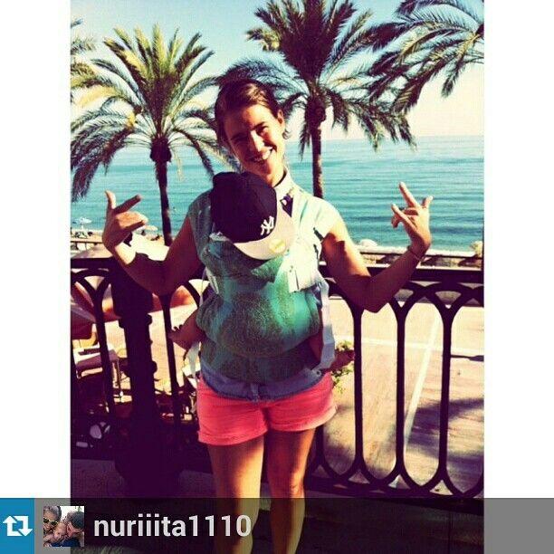 Preciosa foto nos manda Nuria estrenando su recien comprada #mochilaergonimica en #EstimulosMaternales.