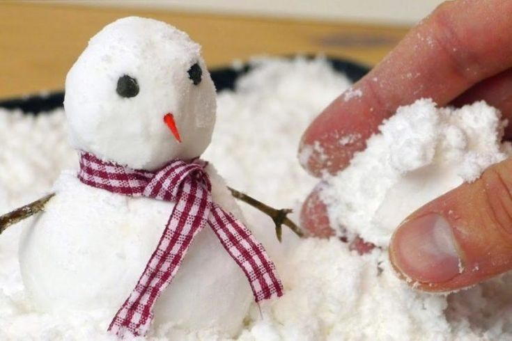 How To Make 2-Ingredient Fake Snow When You're Missing The Real Thing