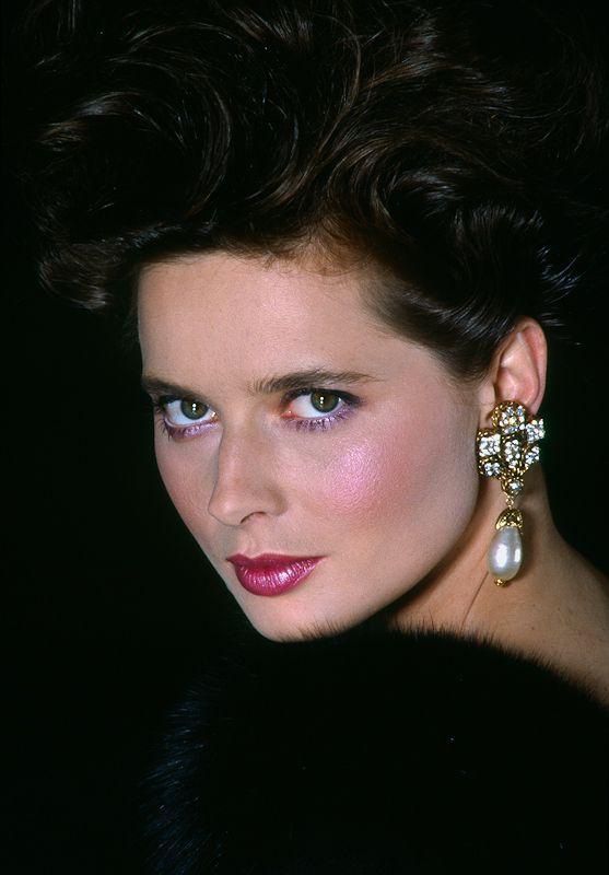 Isabella Rosellini she looks just like her mom Ingrid Bergman