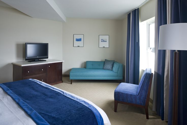 King bed with double Jacuzzi, perfect room for special occasions.