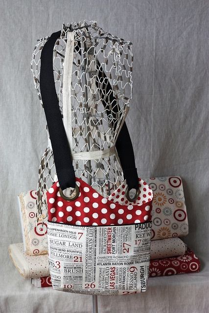 Betz White Sidekick Sling Bag by pink chalk studio, via Flickr