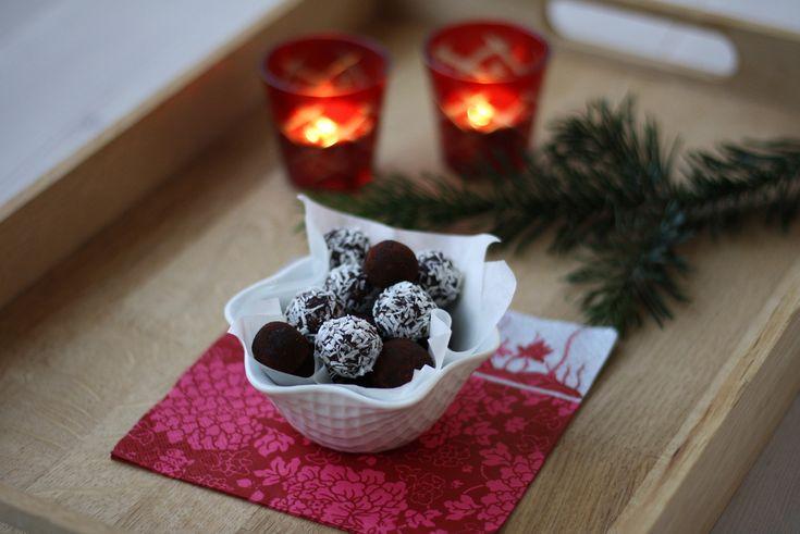 Recipe for homemade Havregrynskugler (oat balls)