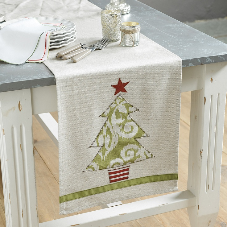 Holiday Appliqued Table Runner - No instructions but I think I can figure this out.