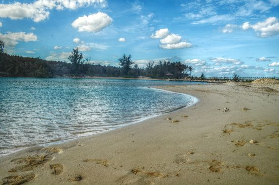 Blue Lagoon Island Bahamas by Kathy Burzynski · 365 Project