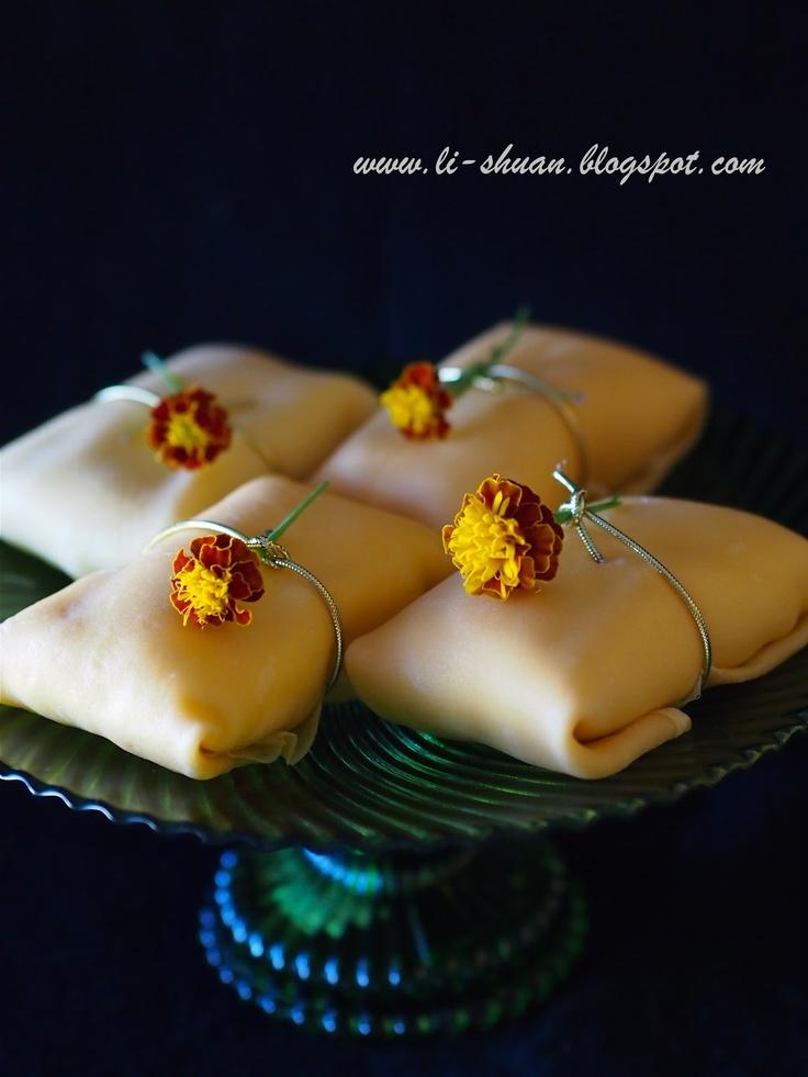 Helena's Kitchen: Mango Pancake (芒果班戟)