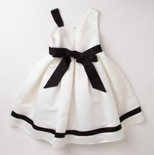 Alexandra Dress - What a cute little girls dress.
