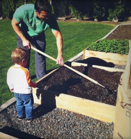 Raised Flower or Veg Bed: Idea, Raised Gardens, Raised Bed Gardens, Raised Beds, Diy Raised, Build Raised, Raised Garden Beds, How To Build