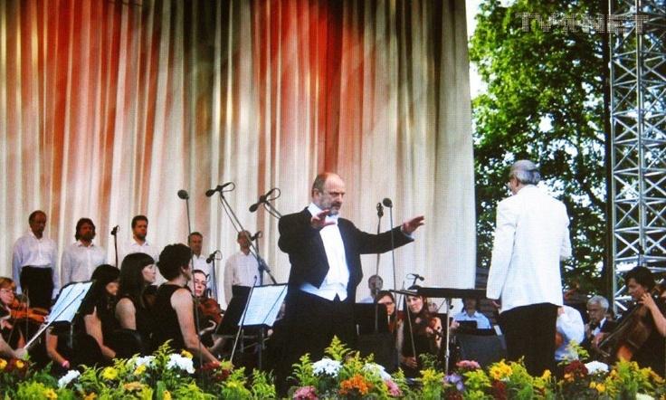 John Wegner singing at Sigulda 2012