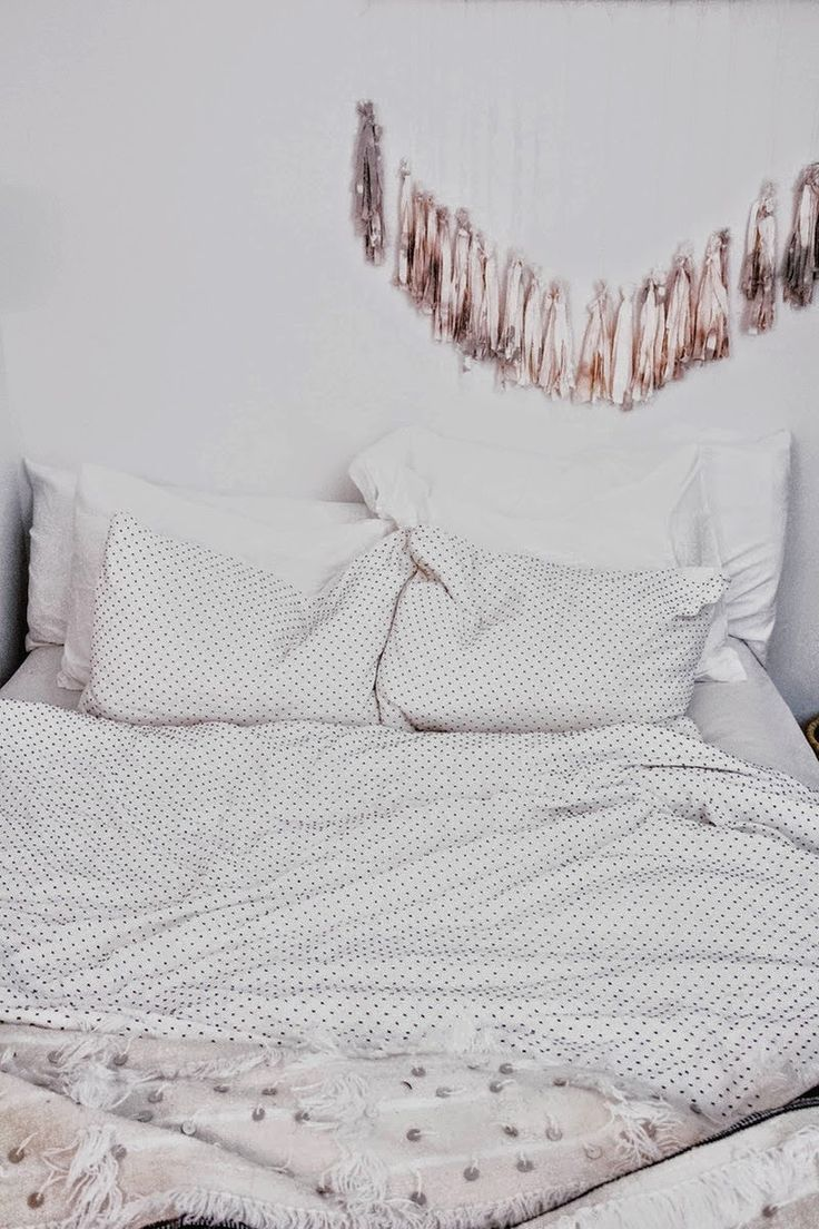 Natalie's oh so cosy and beautiful bedroom