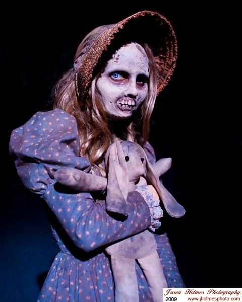 Creepy and grotesque!= Awsome.