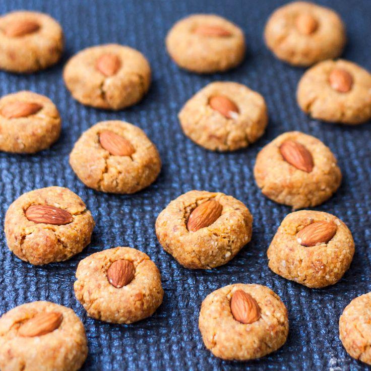 Эти #веган печенья не только чрезвычайно вкусные, они еще и супер-полезные! Без муки, без сахара, без маргарина! Можно кушать без каких-либо ограничений и наслаждаться сладостью натуральных продуктов! | vegelicacy.com