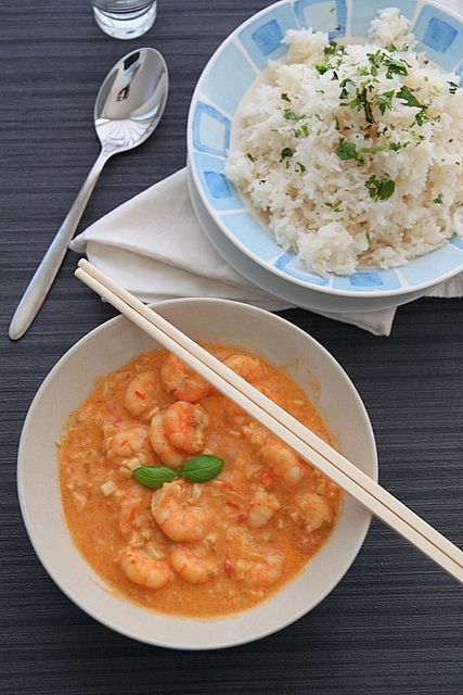 shrimp red curry with coconut rice: Prawn Curries, Red Prawn, Photo Shared, Easy Crockpot Recipes, Curries Shrimp, Coconut Sticky, Thai Red Curries, Coconut Rice, Sticky Coconut