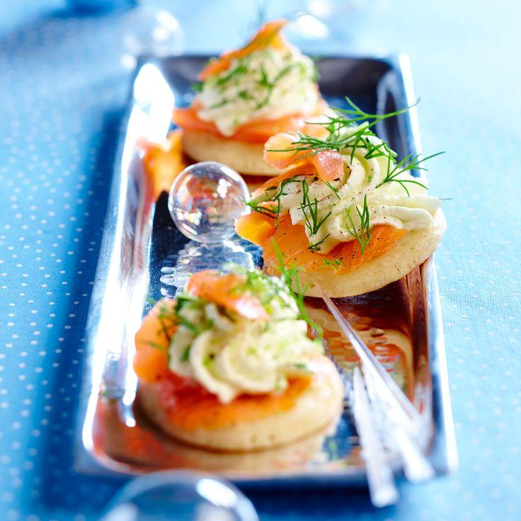 Blinis à la chantilly d'aneth et au saumon