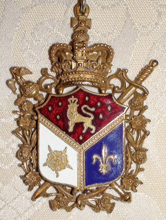 Coro Coat Of Arms Necklace Vintage Ornate Coats Vintage
