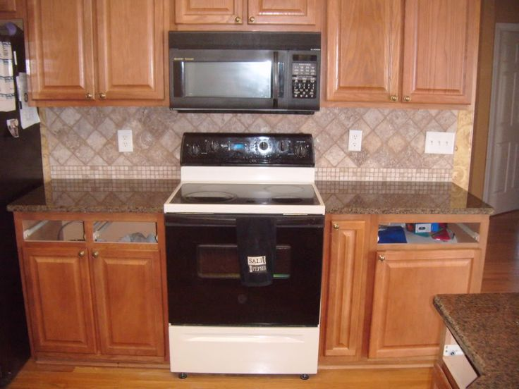 Tile backsplash backsplash glass tile tile flooring tile shop tile backsplash ideas Kitchen backsplash ideas pictures 2010