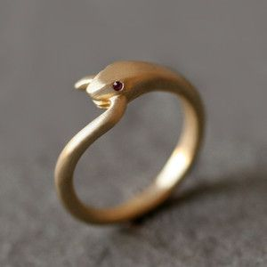 Ruby Snake Ring   ===>  https://de.pinterest.com/pin/8233211798087123/