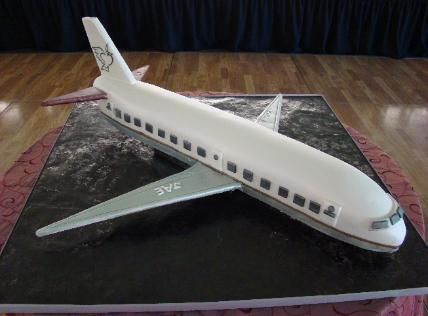 Airplane cake - I love this. Twaha would love this.