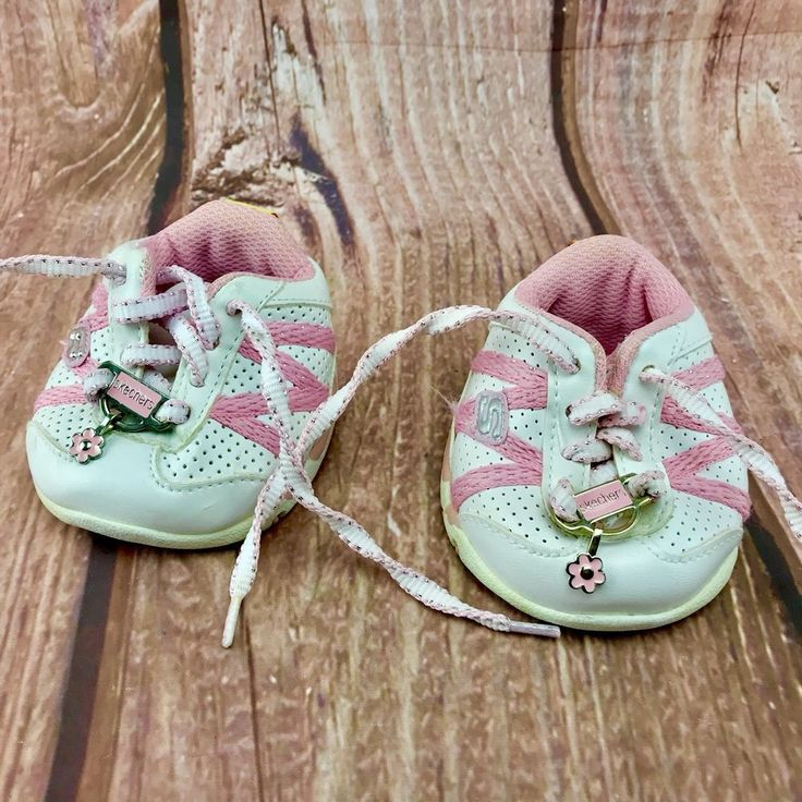Build A Bear Shoes Sketchers trainers Pink White hearts flowers lace up teddy