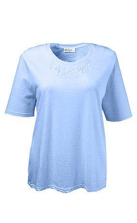 69775272 - T-shirt. T-shirt met ton-sur-ton siersteentjes voor aan de ronde hals. Halflange mouwen. Type: regular. materiaal: 100% katoen. Aan de maat aangepaste lengte ca. 68 - 78 cm.