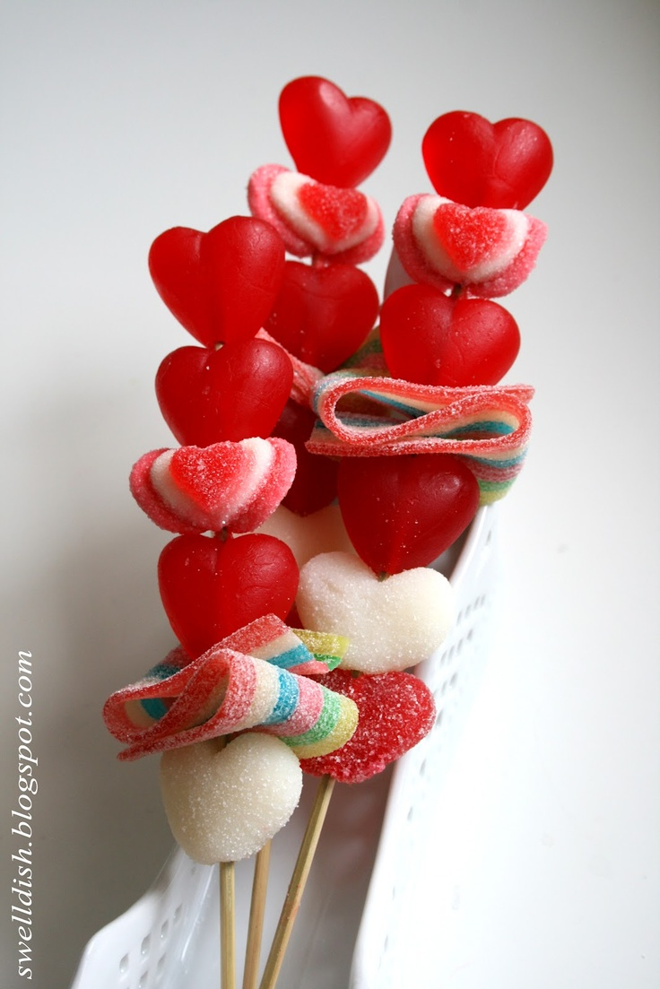 Valentine Candy Kabobs... OH MY GOODNESS!! This makes me so happy, I have already told Daniel I will be expecting these