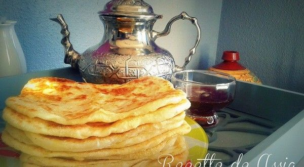 Msemen, Msemmen {مسمن} ou crêpes feuilletées spécialité maghrébine à base de semoule, farine qu'on...
