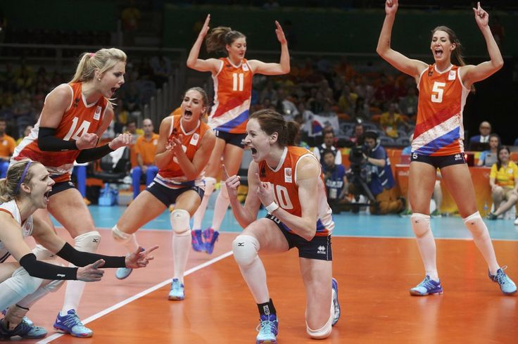 2016 Rio Olympics – Volleyball – Women's Quarterfinals – South Korea v Netherlands – Maracanazinho – Rio de Janeiro, Brazil -16/08/2016. Dutch players celebrate. REUTERS/Pilar Olivares TPX IMAGES OF THE DAY. FOR EDITORIAL USE ONLY. NOT FOR SALE FOR MARKETING OR ADVERTISING CAMPAIGNS. – RTX2L8DK