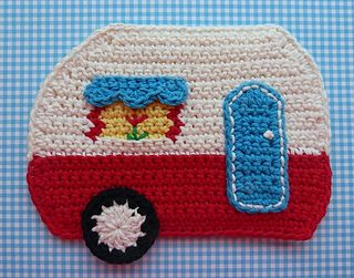 Camper Potholder is made using Sugar 'n Cream worsted weight 100% cotton yarn, and has front and back pieces stitched together for double thickness.