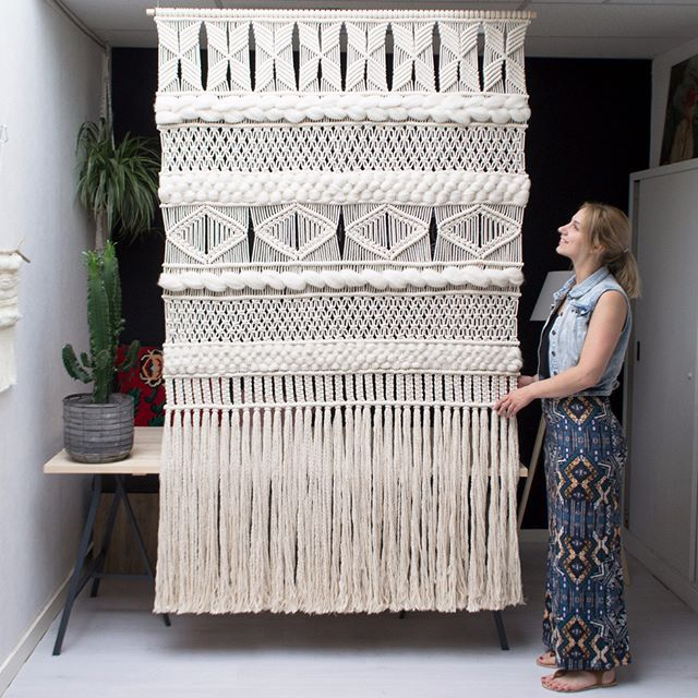 Just finished this custom XXL Macrame Wall Screen combined with woven Wool pieces. My biggest design so far, and I'm totally obsessed with it!  How do you like it? ❤️ (Link to my Etsy shop in bio)