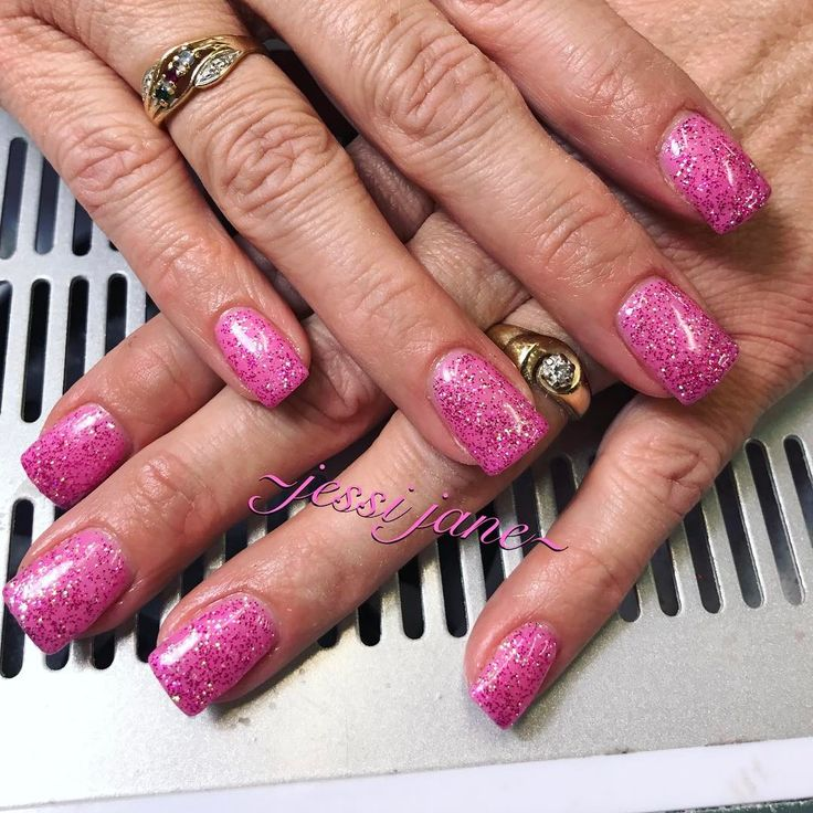 "9 Likes, 2 Comments - Jessi Jane Franzen 🌼 Nail Tech (@jjfnails) on Instagram: ""Pretty in pink!! 🎀💕 #sogel #sogelnails #pink #spring #wyonailtech #wyomingnailtech #gelnails"""