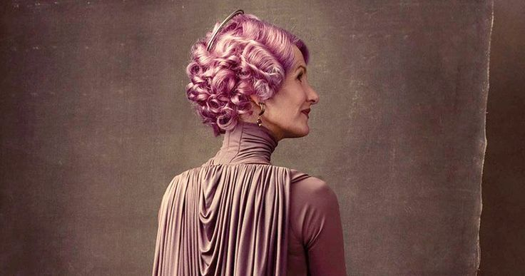 Laura Dern's Last Jedi Character Is LGBT, Hints Star Wars Novel -- The new novel Leia: Princess of Alderaan suggests that the Amilyn Holdo character played by Laura Dern in The Last Jedi is an LGBT character. -- http://movieweb.com/lgbt-character-star-wars-last-jedi-novel-amilyn-holdo/