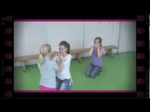 Een stuk klei (dramaoefening bij lesmethode DramaOnline) - YouTube