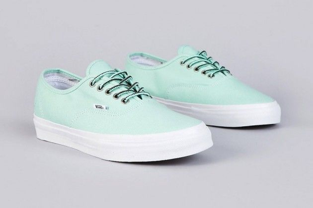 "Vans Syndicate x Mike Hill - Authentic Pro ""S"" – Mint/Vanilla"