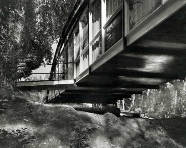The Bridge House off Grange Road, Toorak. Architect: Robin Boyd