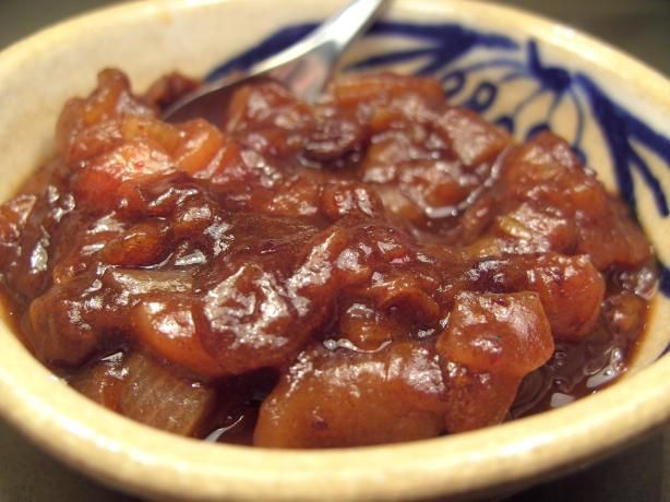 Pear Chutney - ...... this maybe the recipe you need! This is soooooooo good! 600 ml apple cider vinegar 1 kg pear, peeled, cored and chopped (pears such as beurre bosc) 450 g pitted dates, chopped 2 red delicious apples, peeled, cored and chopped 450 g shallots, sliced thinly 1 1/2 cups brown sugar (firmly packed cups) 2 cinnamon sticks