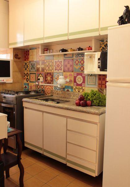 Apartamento de 40 m² tem microondas e frigobar na sala - Casa