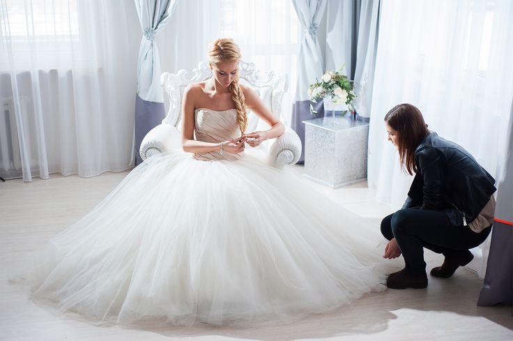 "Pracując nad ""Zimową bajką""! ========================= #workingonperfectlook #bride #verawang #weddingplanner #perfectshoot #pannamloda #ksiezniczka #zimowabajka #winterfairytale"