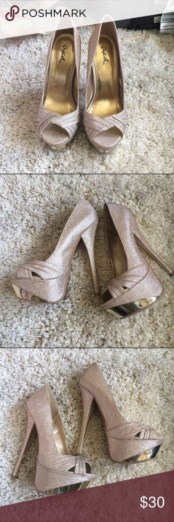 Champagne Sparkle Peep Toe Pumps Really hot shoes. Worn once Shoes Platforms