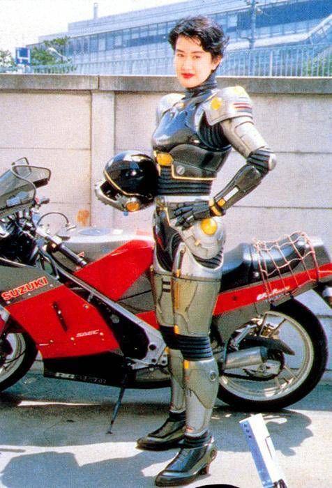 カッコ良すぎ!意外にもバイク乗りの美人芸能人ランキング