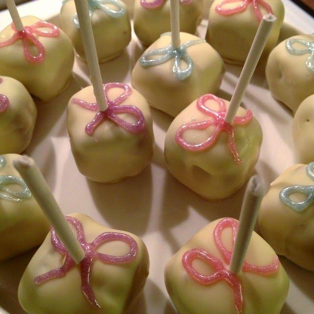 Piparkakkutikkarit / Gingerbread cake pops