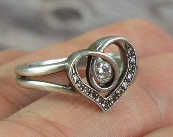 Corazón en forma de anillos de compromiso: Arte Nouveau