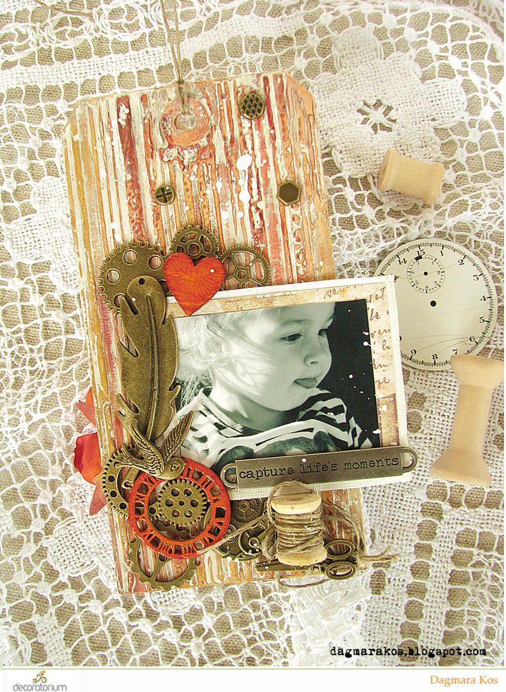 Dagmara Kos : Mixed media tag with photo scrapbooking DecoArt Tim Holtz Ranger Ink Prima Marketing
