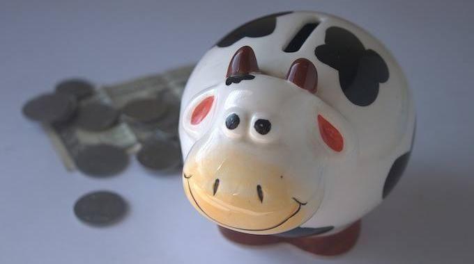Si vous êtes comme moi, vous cherchez tout le temps unmoyende mettre un petit peu plus d'argent de côté. L'idée est excellente : mais par où commencerpour économiser de l'argent? E