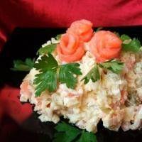 Салат с огурцом и рыбой «Рисовый»