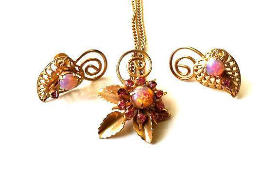 Vtg Juliana Demi Parure Cats Eye Necklace Screw Back Earrings Pink Rhinestones