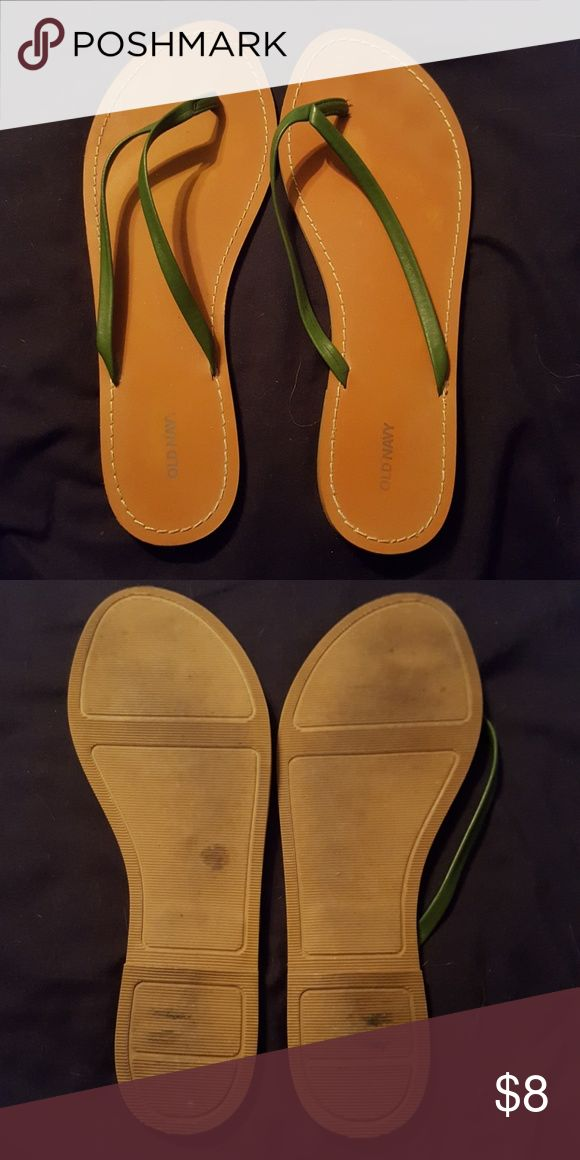 Old navy flip flops Barely any signs of wear except a few stains on the bottom Old Navy Shoes Sandals